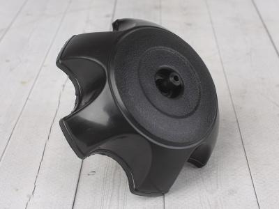 Крышка бензобака пластиковая черная фото 1