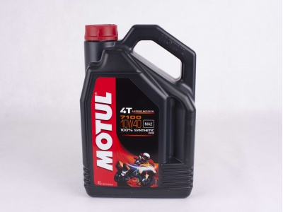 Масло Motul 4T 7100 10W-40 100% Synth. Ester 4л фото 1