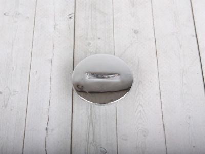 Заглушка пластиковая центральная передней крышки левого картера двиг. 153FMI/154FMI (эл. стартер)  фото 1