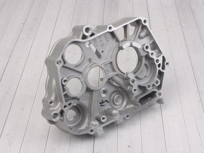 Картер двигателя правый KAYO двиг. YX140Е см3 (эл.стартер) CN фото 1